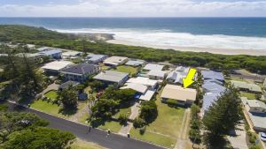 Bailey's Beach House - Yamba Accommodation